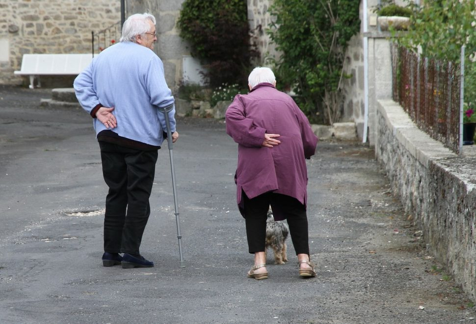 Anziani, attenti alle cadute! - Art. del quotidiano sanità 1 ottobre 2015